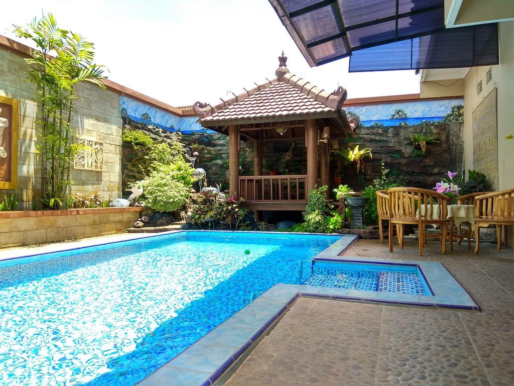 villa murah fasilitas kolam renang